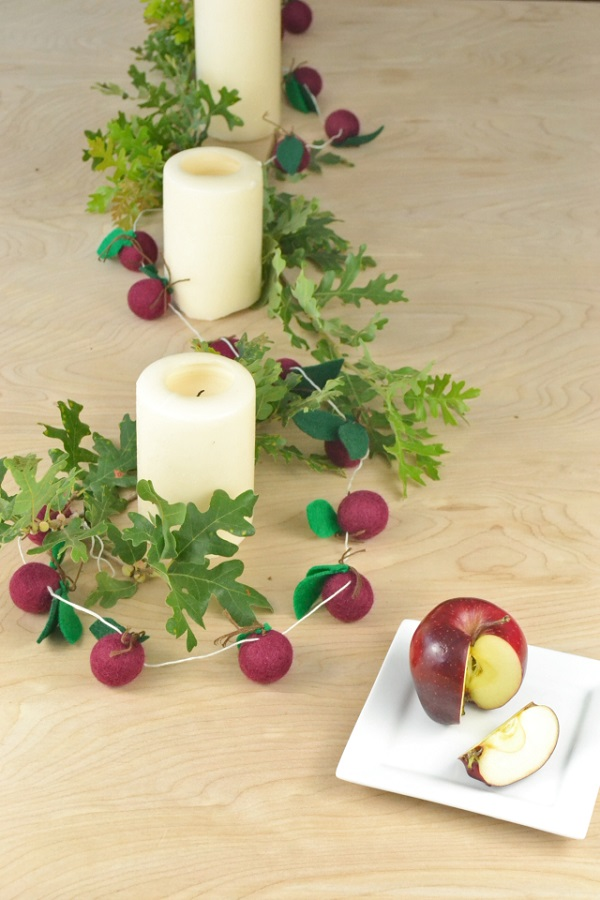 Tutorial: Fall felt apple garland
