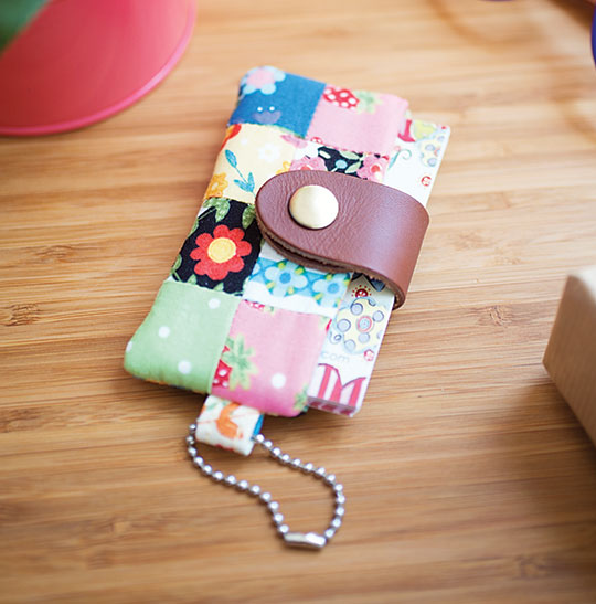 Sewing tutorial: Patchwork card holder