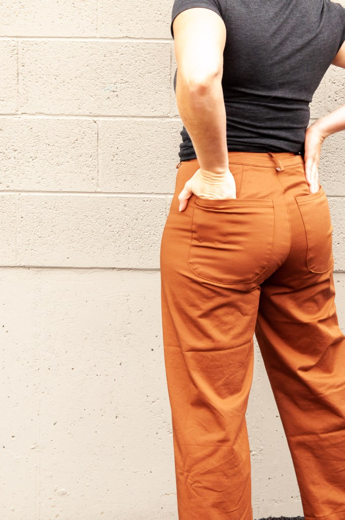 Sewing tutorial: Curved waistband pants pattern alteration