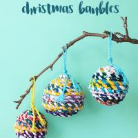 Tutorial: Scrap fabric wrapped Christmas ornaments