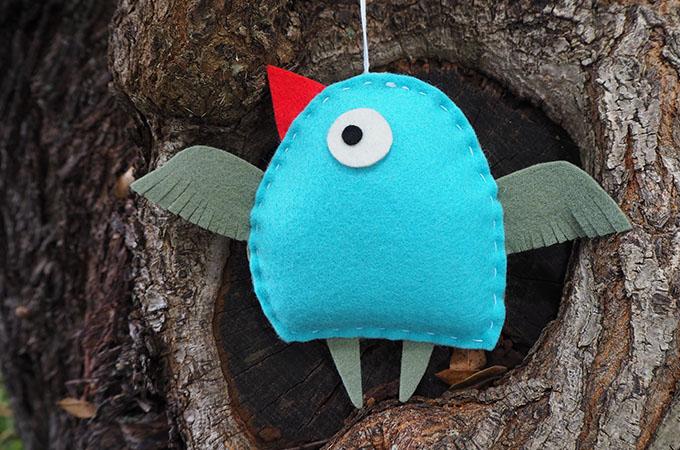 Sewing tutorial: Scandinavian felt bird Christmas ornament