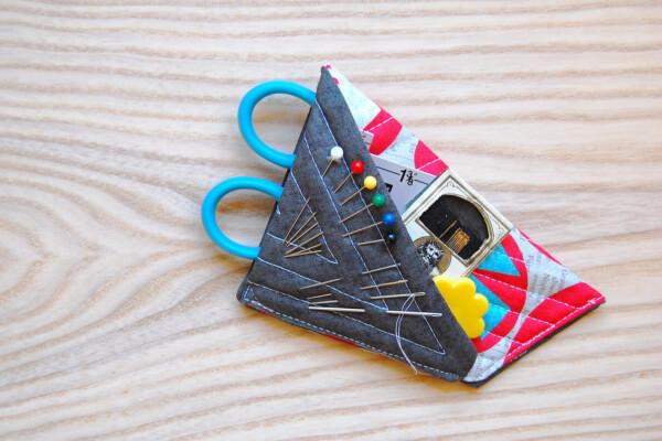 Sewing tutorial: Scissors case sewing kit