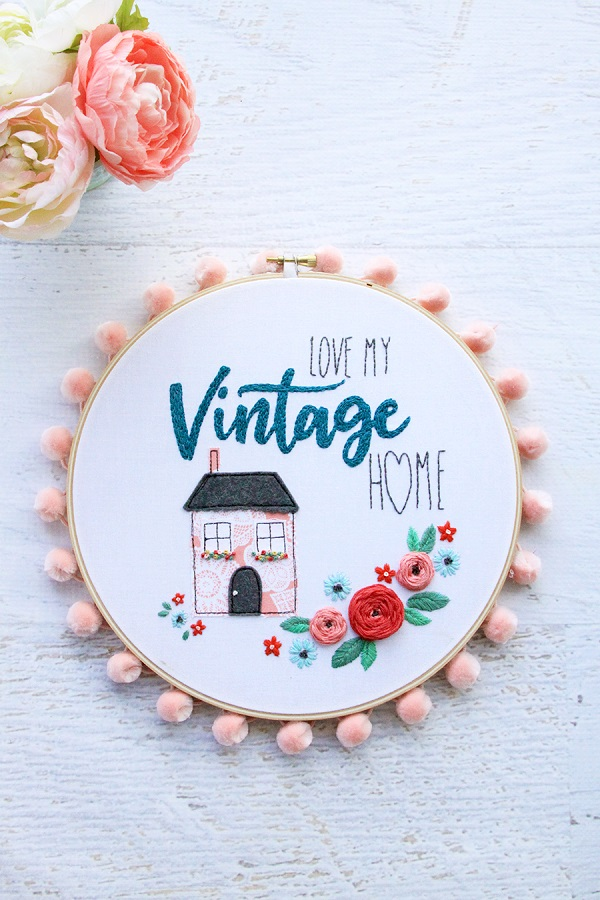 Free pattern: Love My Vintage Home embroidery hoop art