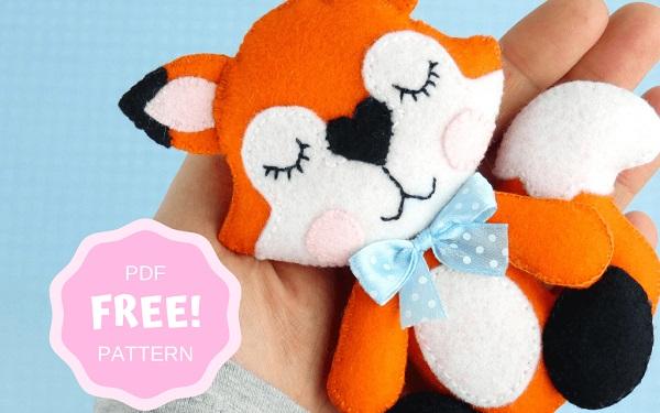 Free pattern: Felt fox softie