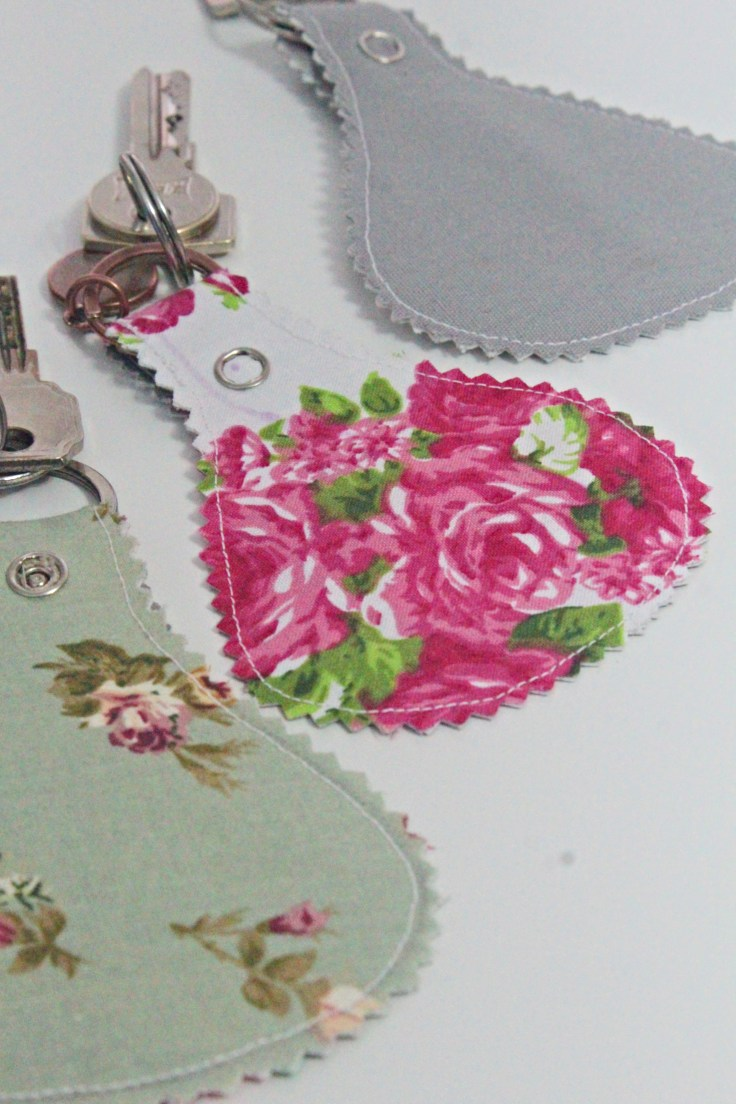 Sewing tutorial: Easy fabric key fob