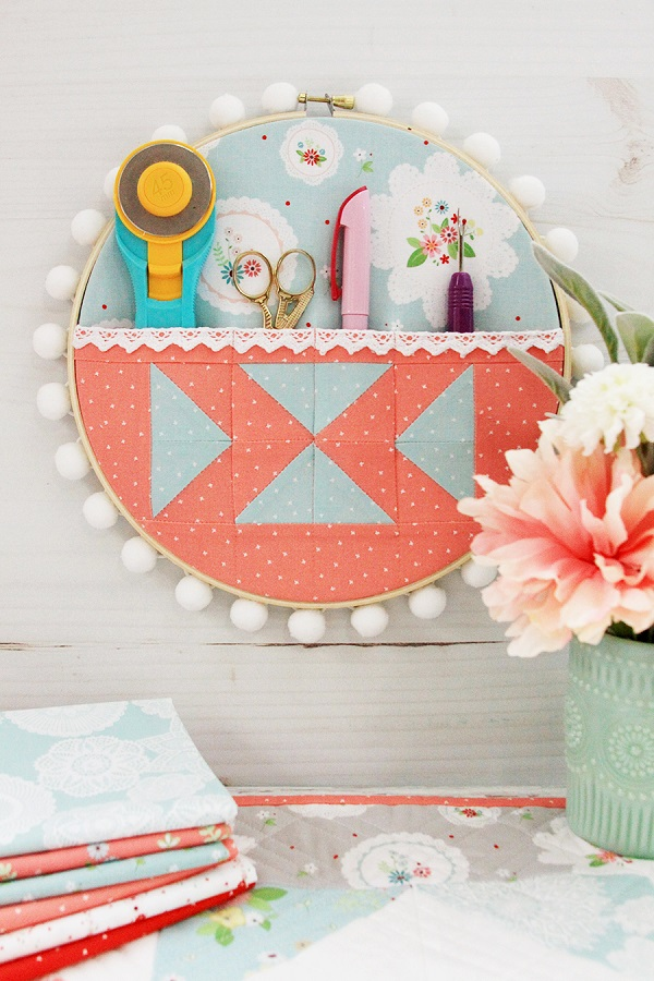 Sewing tutorial: Patchwork embroidery hoop organizer