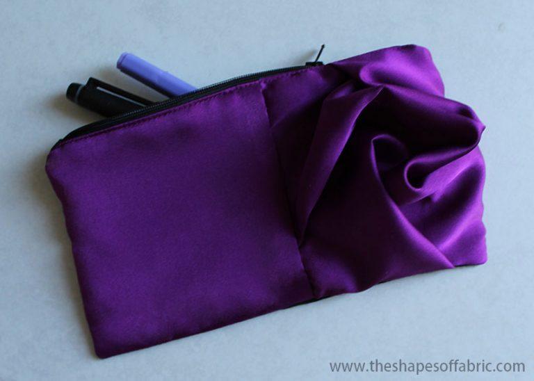 Sewing tutorial: Dimensional rose zipper pouch