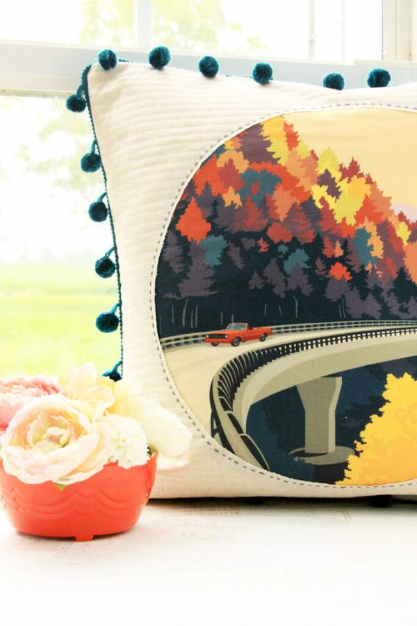 Sewing tutorial: Vintage travel art pillow
