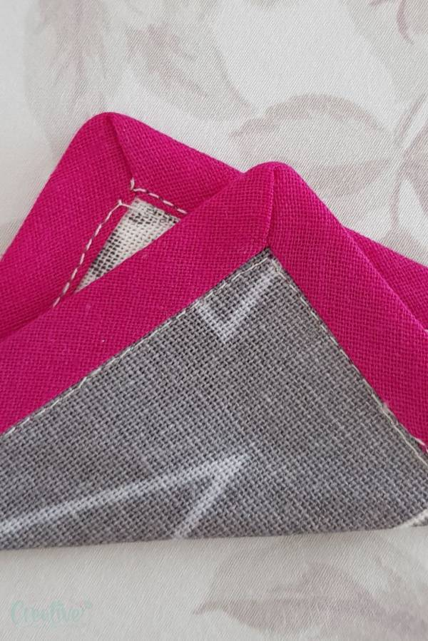 Sewing tutorial: Bias tape mitered corners