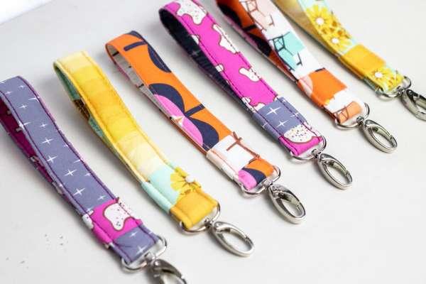 Easy Wristlet Key Fob - DIY Sewing Tutorial