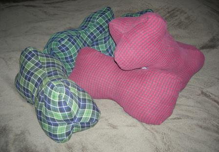 dog bone shaped neck pillow 335749 1001