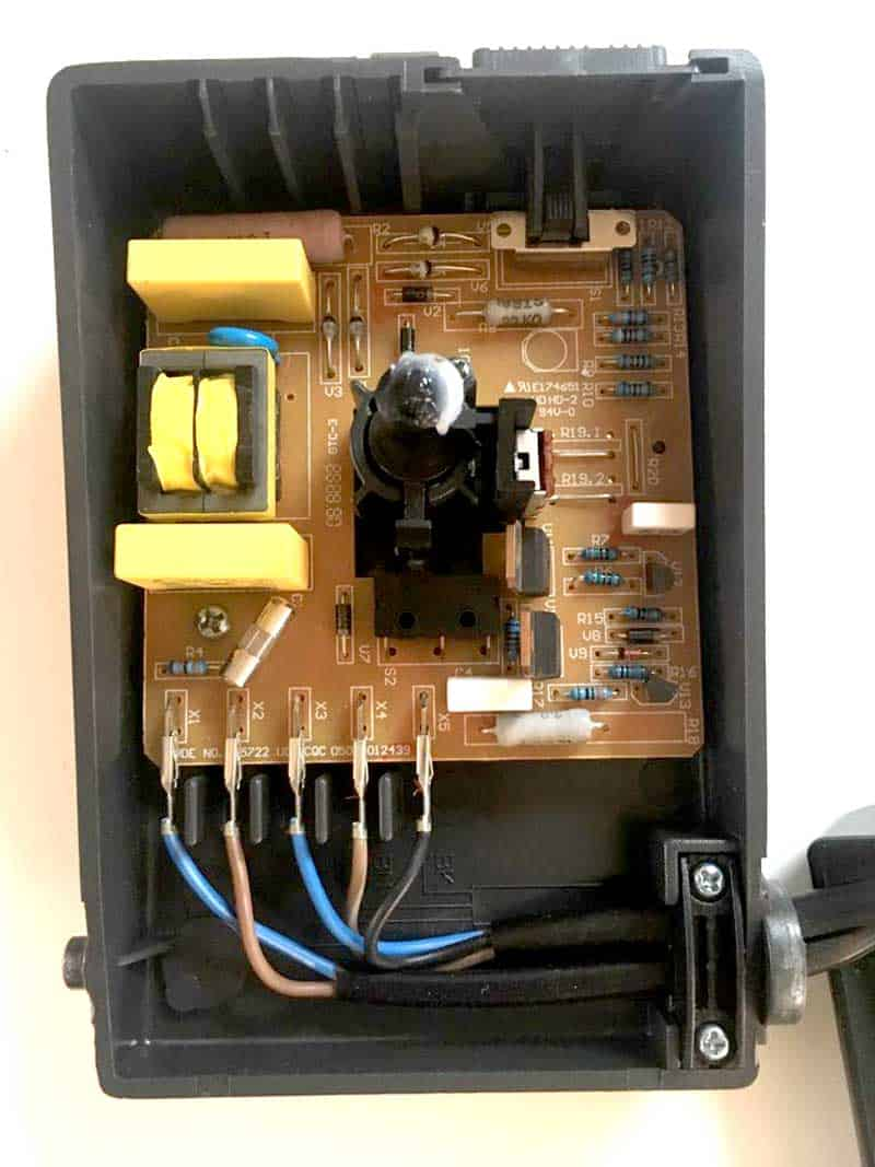 hight resolution of electronics of the sewing machine foot pedal