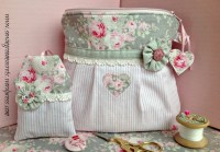 Shabby chic cosmetic pouch | sewing room secrets