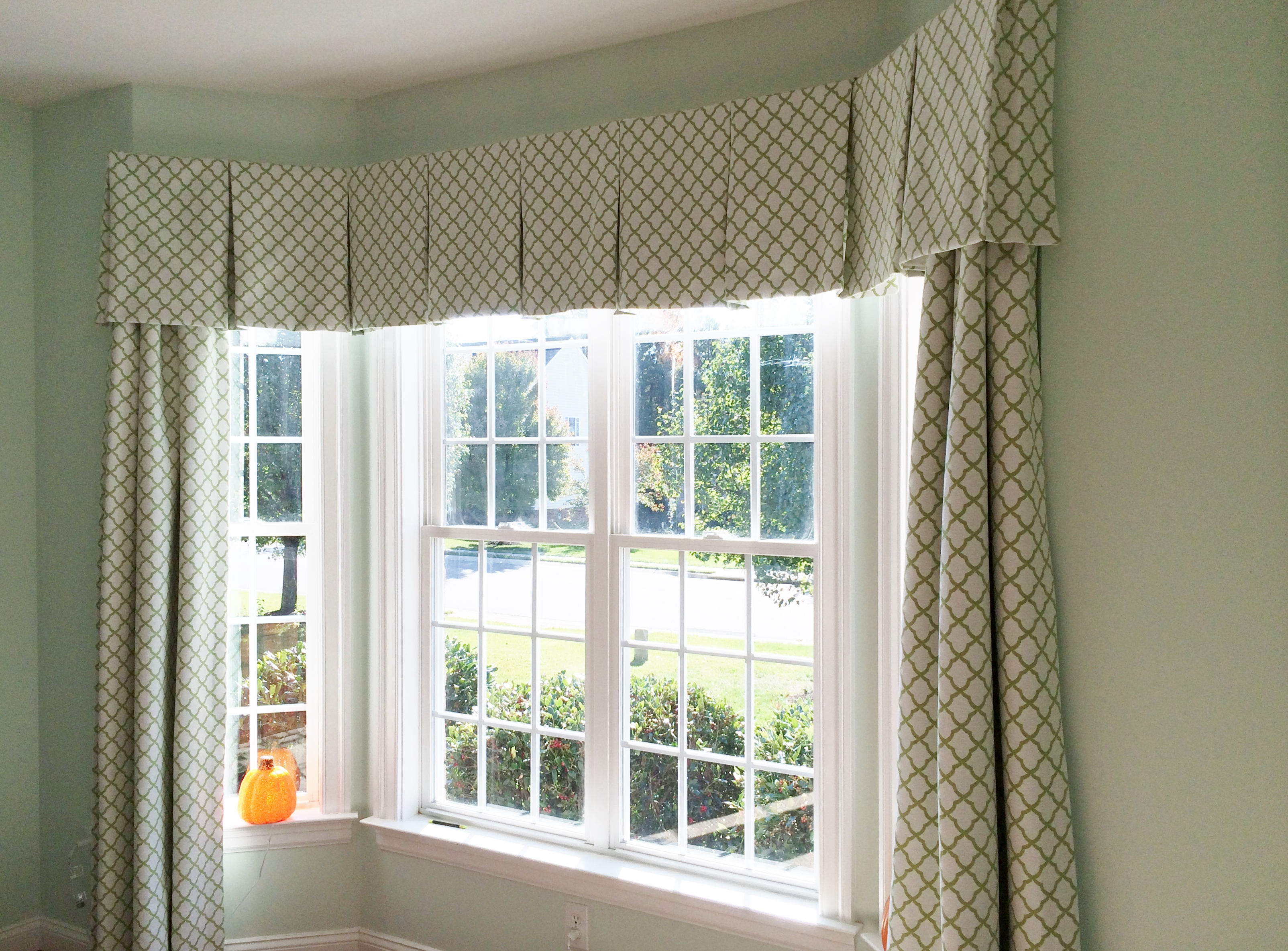 Bay Window Box Pleated Valance Over Panels
