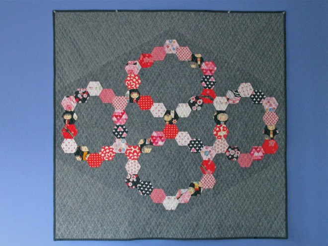 SEW KATIE DID:Somewhat Circular Hex Quilt