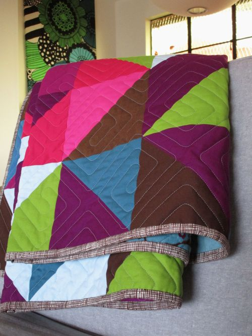 Sewkatiedid:Sleepy Owl Quilt Binding and Quilting detail