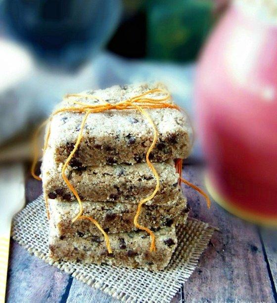 Chocolate Chip Peanut Butter #Shortbread Bars