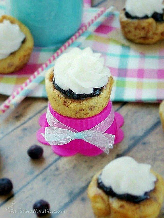 #Blueberry-Cream Cheese Cinnamon-Roll-at-sewlicioushomedecor