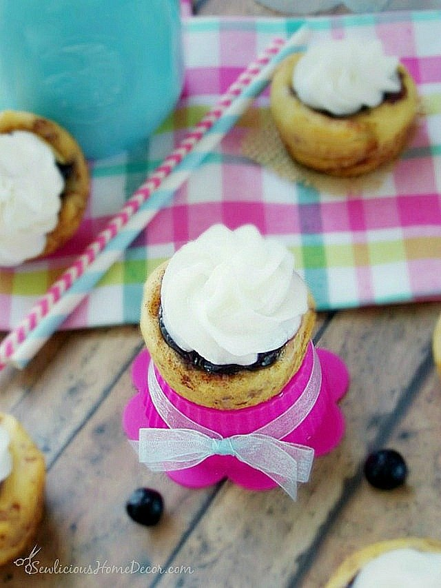#Blueberry with-Cream-Cheese-Cinnamon-Roll-at-sewlicioushomedecor.com_