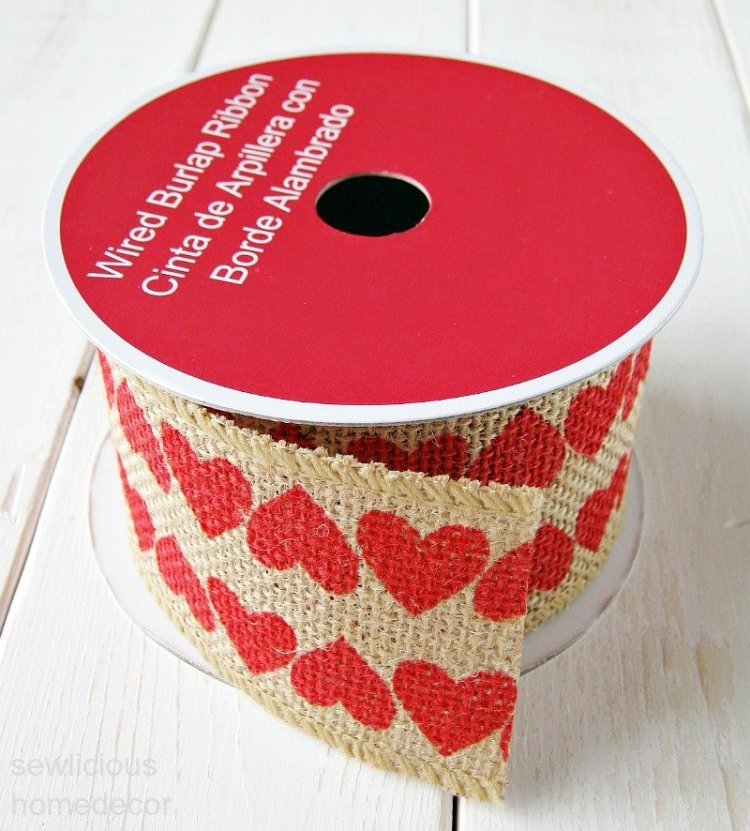 Valentine Heart Burlap Roll for tin can crafts at sewlicioushomedecor.com
