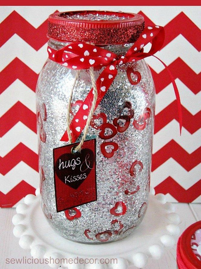 DIY Glitter Valentine Jars with printables sewlicioushomedecor.com
