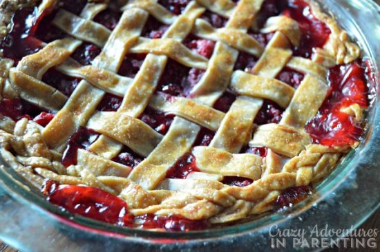 easy-raspberry-pie-recipe-with-sugar-crust