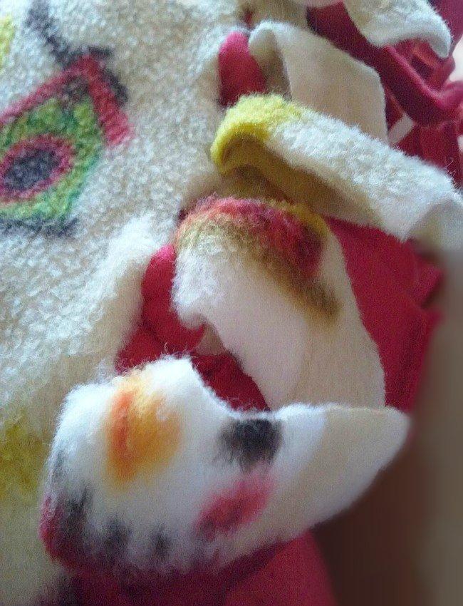 Christmas Snowman Fleece No Sew Blanket by sewlicioushomedecor.com