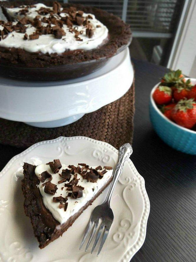 Double Chocolate Brownie Pudding Pie sewlicioushomedecor.com