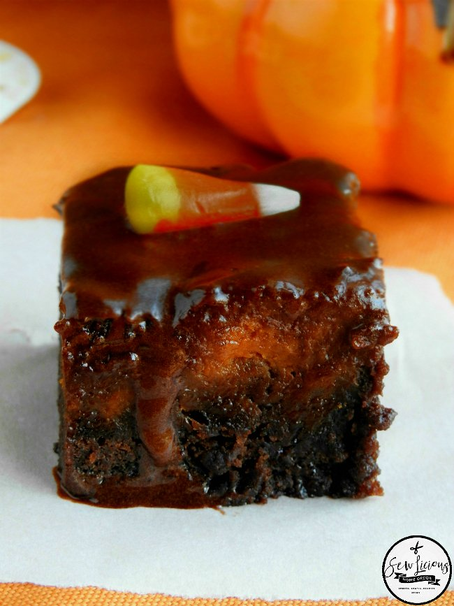 pumpkin-pie-brownies-topped-with-milk-chocolate-frosting-dessert-sewlicioushomedecor-com-1