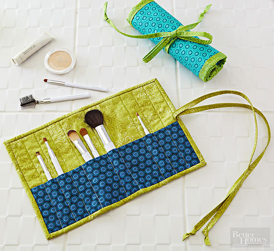Simple to sew brush roll - Sew Modern Bags