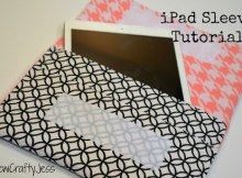 """If you have aniPad Air, or any tablet measuring approximately 10"""" by 7"""", then here's an awesome FREE pattern to make a padded cover for it. It's a very quick and easy project that will give yourexpensive iPad some extra protection. This sleeve is designed to fit any tablet measuring approximately 10"""" by 7"""", and approximately 1/2"""" thick."""