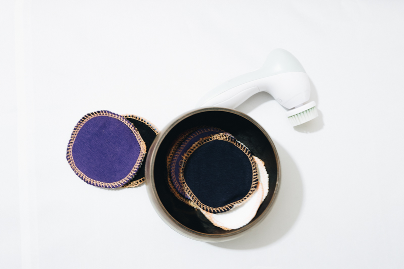 SEWING PROJECTS FOR A ZERO-WASTE LIFE | Sewing vs waste in the bathroom Reusable make-up pads