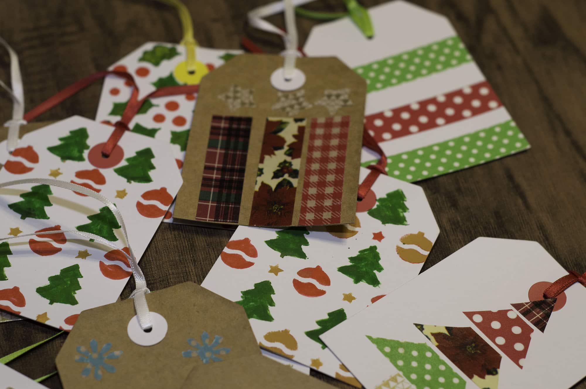 Christmas Gift Tags To Make.Super Simple Christmas Gift Tags To Make Sew Very Crafty