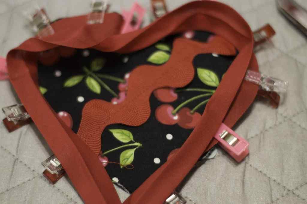Add the Bias Binding for the DIY Heart Sachet, DIY Heart Sachet