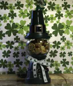 St.-Pats-Gumball-Machine-with-Candy-256x300 How to make a St. Patrick's Day Gumball Machine