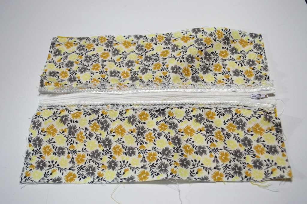 Zipper, lace, outer and linning fabric attached, Sew Crafty Travel
