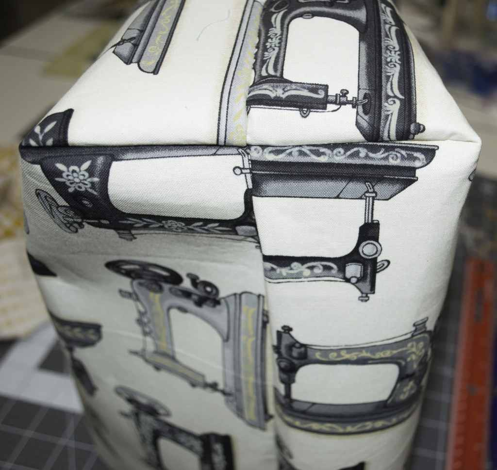 Evenly Boxed Corners, DIY Sewers Tote Tutorial