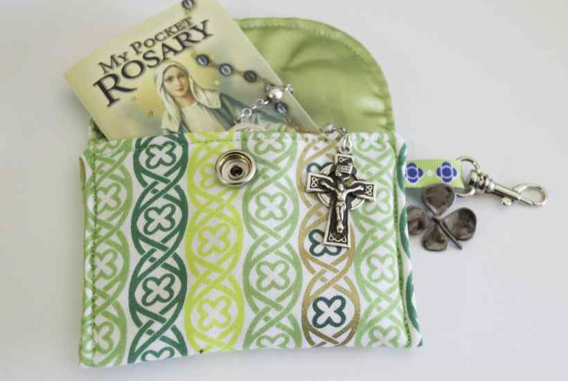 ST. Patricks Padded Rosary Pouch