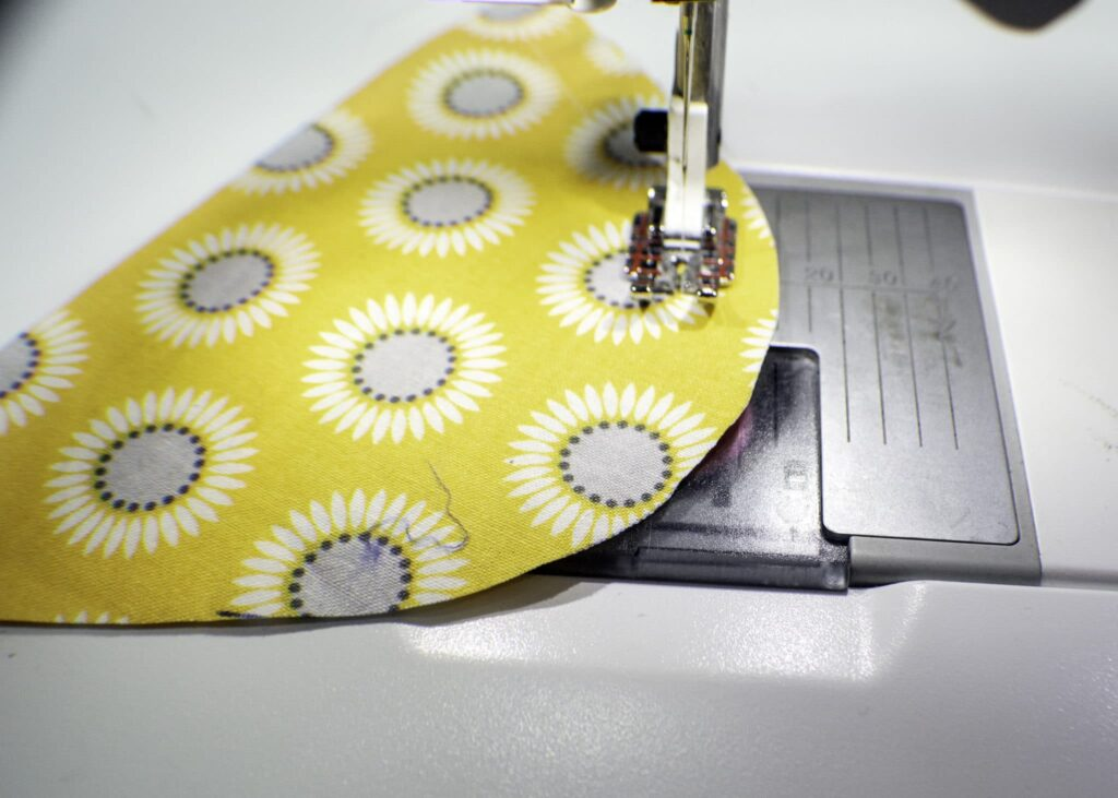 Learn top sew: how to sew curves and corners
