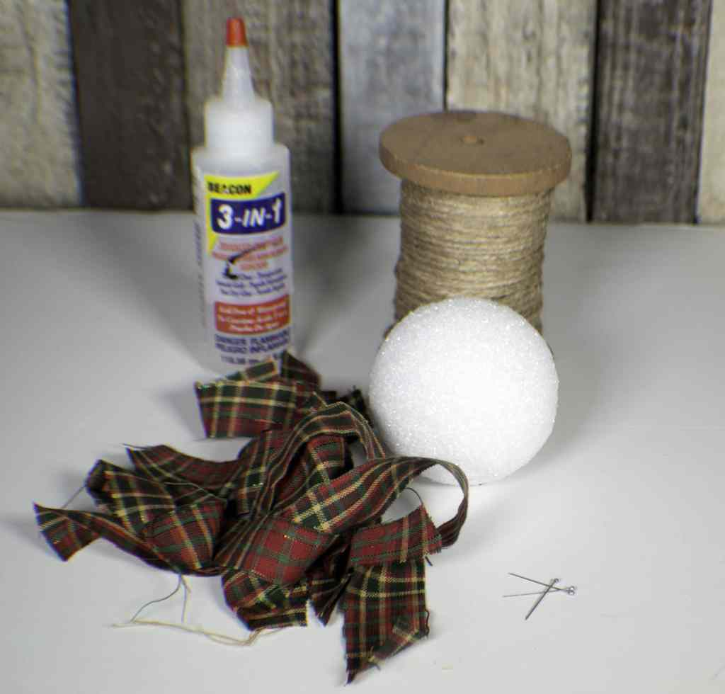 How to make rustic fabric Christmas ornaments