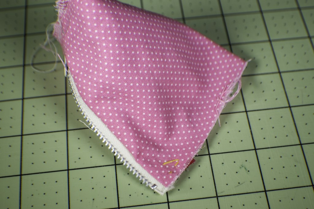 How to make a triangle coin purse