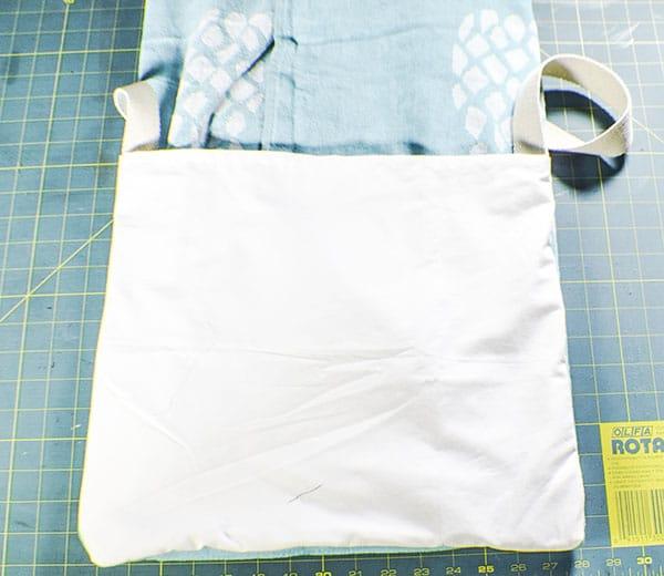 How to make a beach towel tote