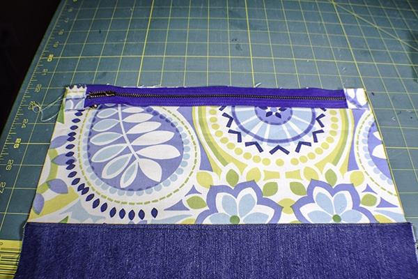 How to make a simple foldover zipper clutch