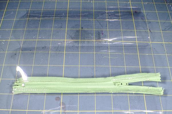 How to Make a Vinyl Zipper Pouch