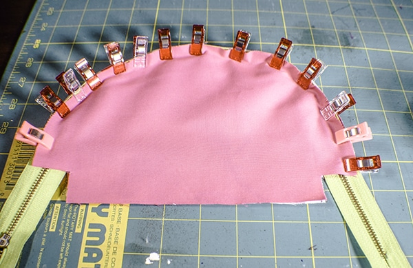 How to make a half moon zippered pouch