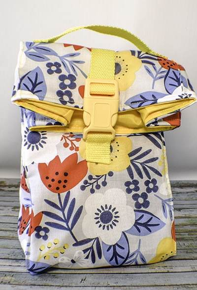 Sew a reusable insulated lunch bag