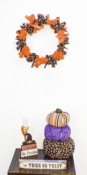 How to Make a Halloween Tie on Fabric Wreath
