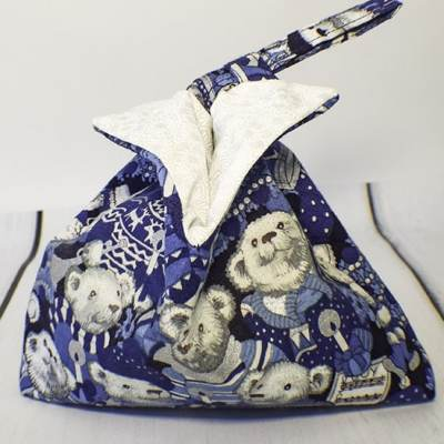 Learn to sew a small fabric gift bag
