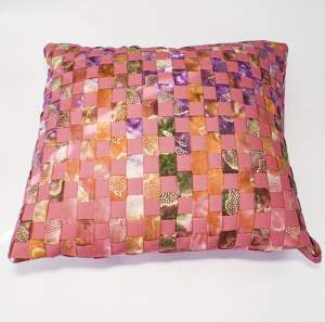 Learn fabric weave a pillow cover