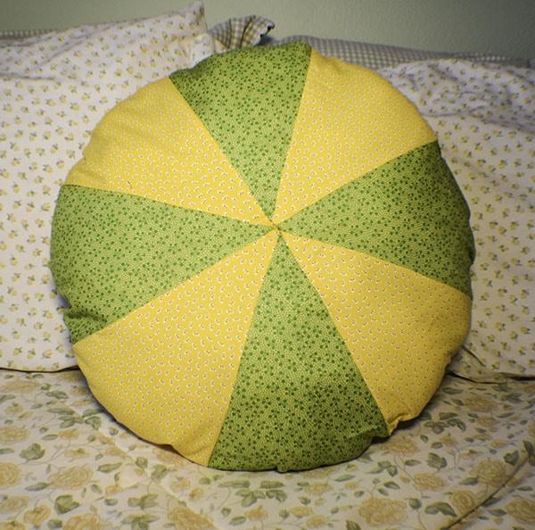 How to Make a DIY Circle pillow